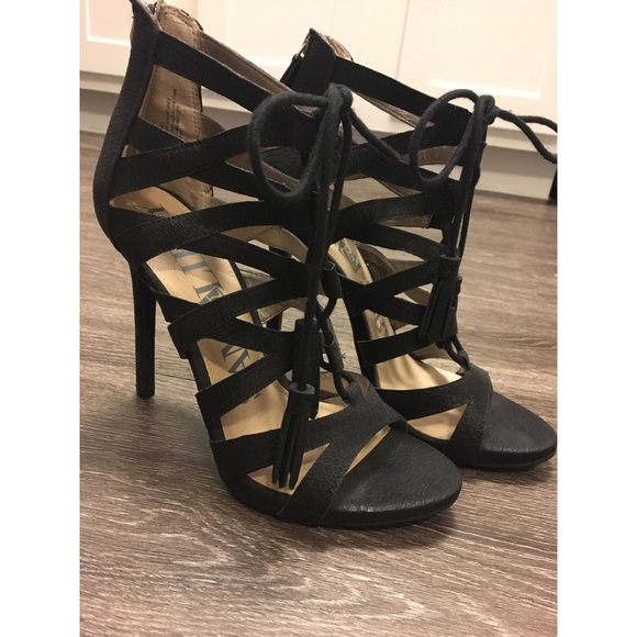 2dd269c4d04 Black Strappy Sam   Libby Heels. M 5b65201125457ab65bb40c86. Other Shoes  you may like. Vintage 90s ...